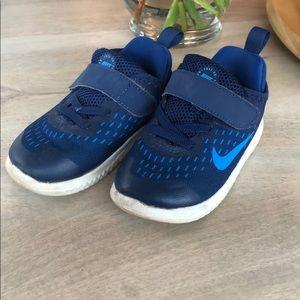 Nike Free RN toddler shoe